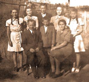 Szabó Gyuri bácsi a családjával